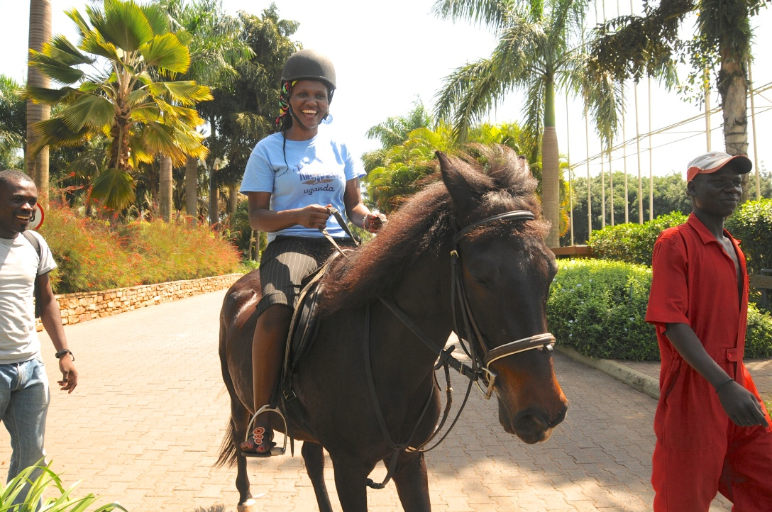 Phiona had a pony ride last time I was there and she loved it!