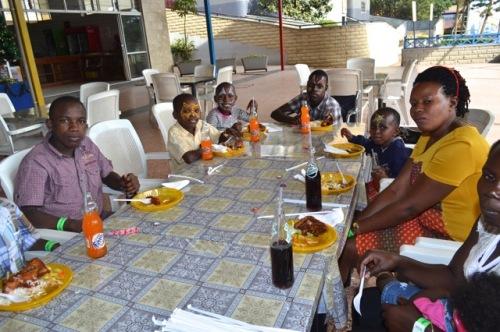 meal time at Wonder world