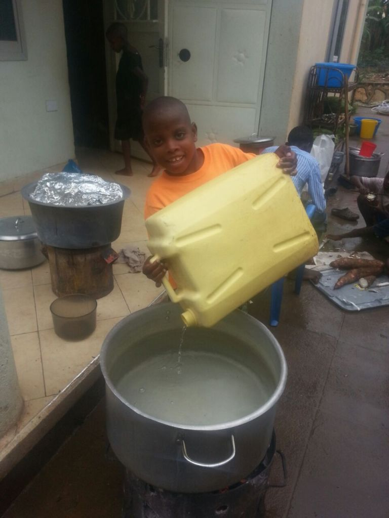 preparing the drinking water to be boiled